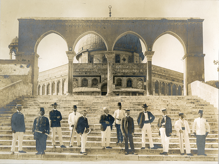 Garabed Krikorian Studio. Dome of the Rock. Western tourists on the steps of the mosque, ca. 1900 (Malikian Collection)