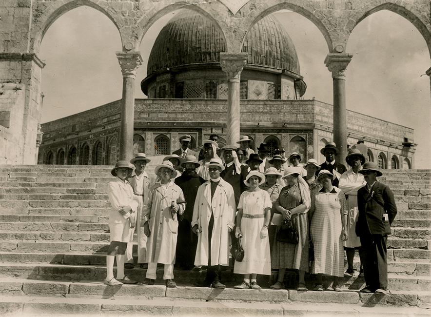 Unidentified studio. Dome of the Rock. Western tourists on the steps of the mosque, ca. 1925 (Malikian Collection)