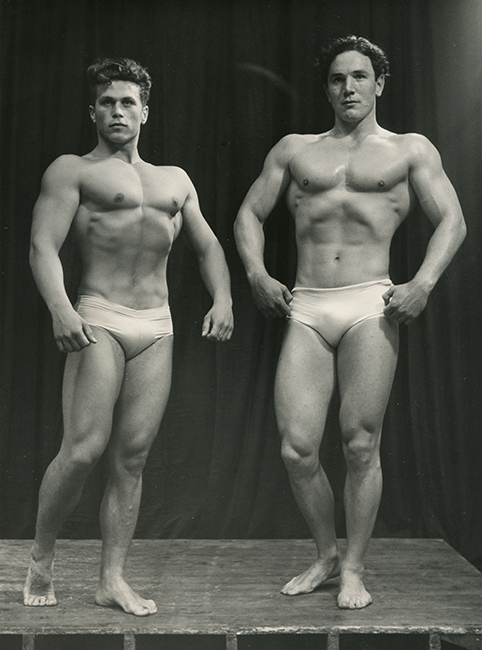 Charles Klejniak (Belgian) and Hubert Thomas (English) at the competition in London, June 24, 1954 (Malikian Collection)